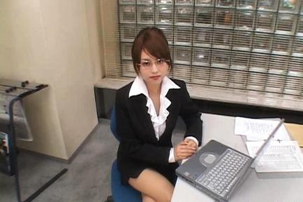 Akiho Yoshizawa Hot Asian doll gets a facial